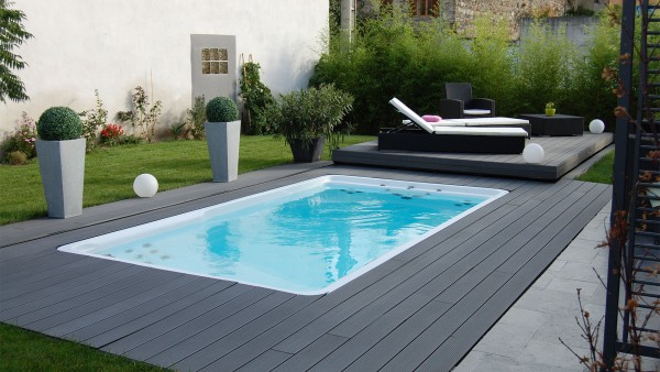 la mini piscine en vogue planete piscine. Black Bedroom Furniture Sets. Home Design Ideas