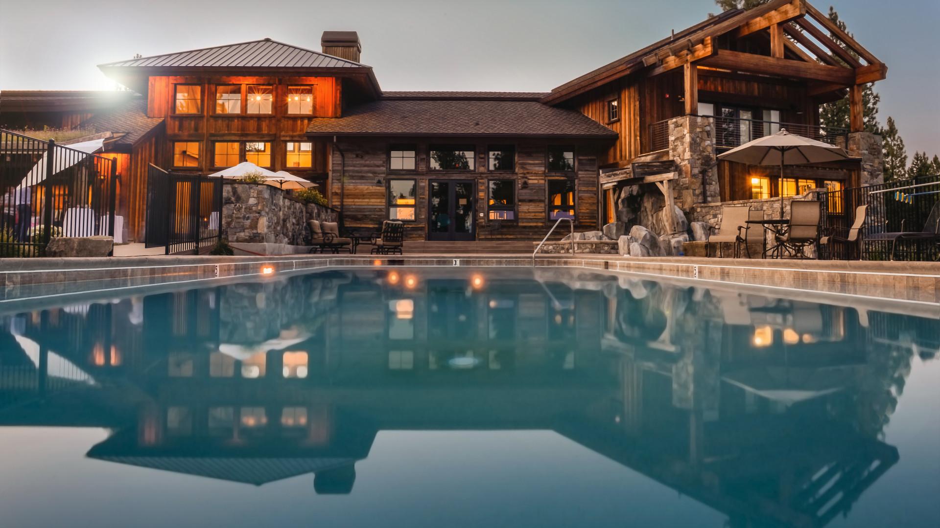 pourquoi-faut-il-investir-un-abri-piscine.png